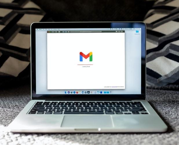 گوگل برای ساده نگهداشتن موتور جستجوی خود فرایندهای بسیار پیچیده و دقیقی رو طراحی کرده.